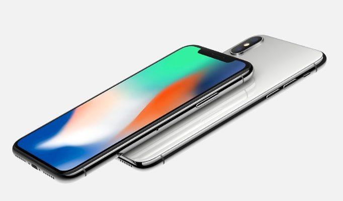「iPhoneX」と「iPhone8」を発表