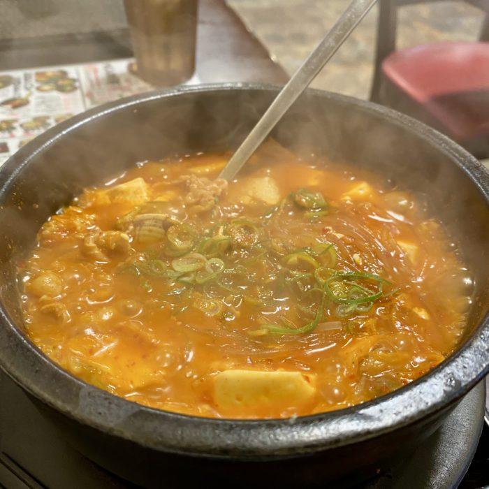 韓丼の名古屋味噌スン豆腐がコスパ最高でおすすめのB級グルメです。
