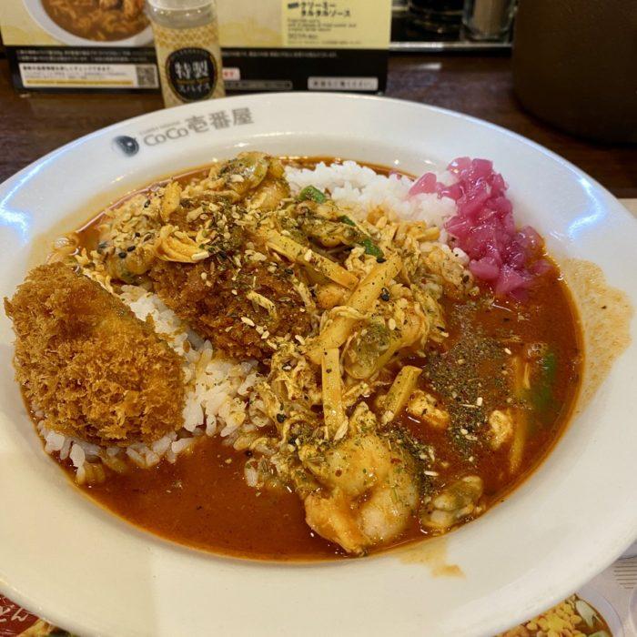 CoCo壱番屋の-カレーうどん-と-スパイスカレーTHEエスニックアジア-を食べてみました